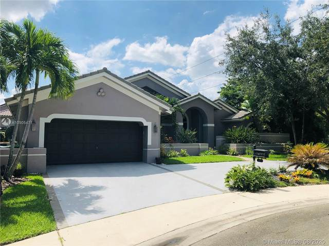 1043 Deerpath Ct, Weston, FL 33326 (MLS #A10905471) :: Castelli Real Estate Services