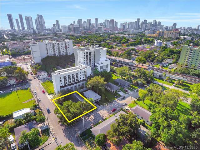 1165 NW 8th Ave, Miami, FL 33136 (MLS #A10908114) :: The Jack Coden Group