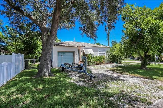 1203 N 16th Ct, Hollywood, FL 33020 (MLS #A10912923) :: Berkshire Hathaway HomeServices EWM Realty