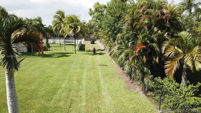 131xx SW 103 Ave, Miami, FL 33176 (MLS #A10916608) :: Douglas Elliman