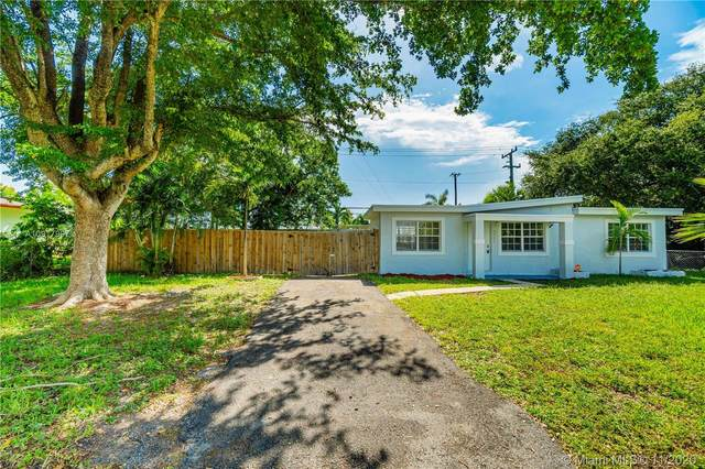 2731 SW 53rd Ave, West Park, FL 33023 (MLS #A10917997) :: Miami Villa Group