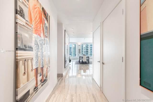 901 Brickell Key Blvd #3204, Miami, FL 33131 (MLS #A10921527) :: Berkshire Hathaway HomeServices EWM Realty