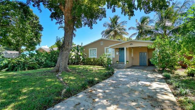 2516 Grant St, Hollywood, FL 33020 (MLS #A10922020) :: Berkshire Hathaway HomeServices EWM Realty