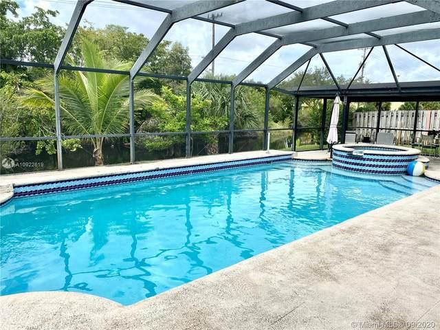 4791 NW 75th Ave, Lauderhill, FL 33319 (MLS #A10922619) :: Berkshire Hathaway HomeServices EWM Realty