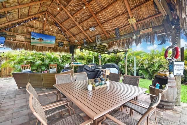 8020 NW 174th Ter, Miami, FL 33015 (MLS #A10922930) :: Berkshire Hathaway HomeServices EWM Realty