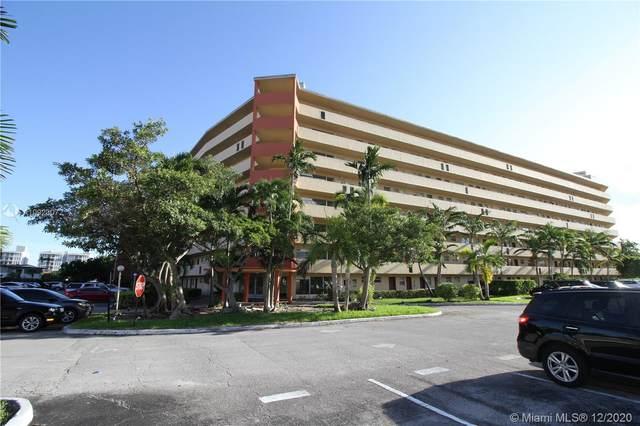 1750 NE 191st St 818-3, Miami, FL 33179 (MLS #A10923072) :: Albert Garcia Team