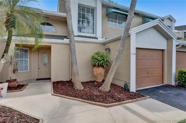 7035 Woodmont Way #7035, Tamarac, FL 33321 (MLS #A10923304) :: Berkshire Hathaway HomeServices EWM Realty