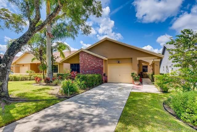 2433 Fiddleleaf Ave, Coconut Creek, FL 33063 (MLS #A10927259) :: Re/Max PowerPro Realty