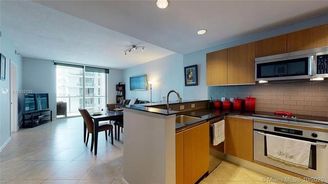 1060 Brickell Ave #2015, Miami, FL 33131 (MLS #A10932132) :: Berkshire Hathaway HomeServices EWM Realty