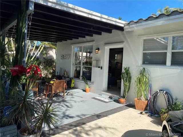 927 N 14th Ave, Hollywood, FL 33020 (MLS #A10932806) :: Carole Smith Real Estate Team