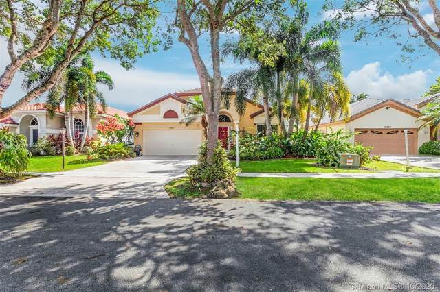 10350 Buenos Aires St, Cooper City, FL 33026 (MLS #A10935603) :: Search Broward Real Estate Team at RE/MAX Unique Realty