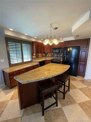 1700 Pierce St #504, Hollywood, FL 33020 (MLS #A10937658) :: The Riley Smith Group