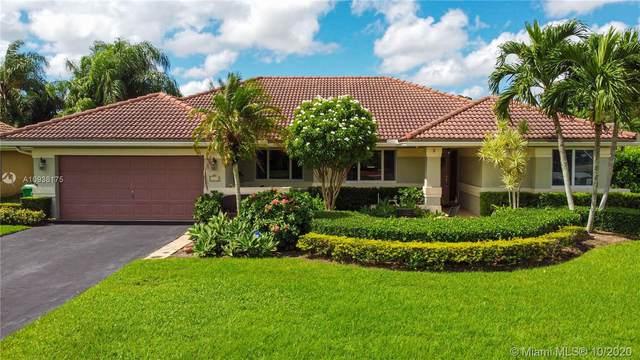 2115 SW 97th Ln, Davie, FL 33324 (MLS #A10938175) :: Berkshire Hathaway HomeServices EWM Realty