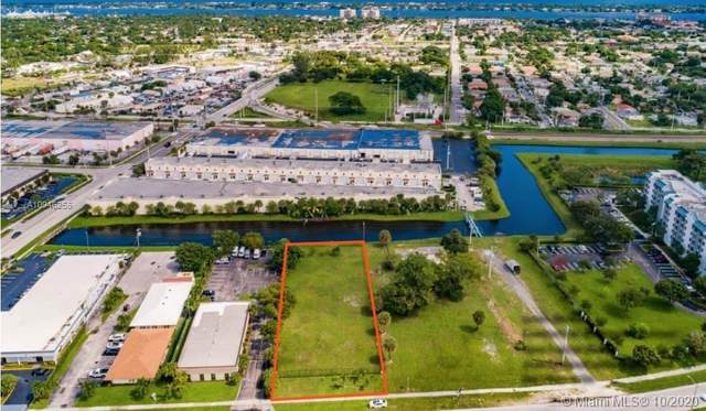 2460 N Australian Ave, West Palm Beach, FL 33407 (MLS #A10946255) :: Compass FL LLC