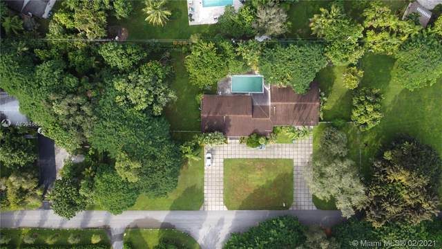 7400 SW 82nd Ave, Miami, FL 33143 (MLS #A10946656) :: The Howland Group