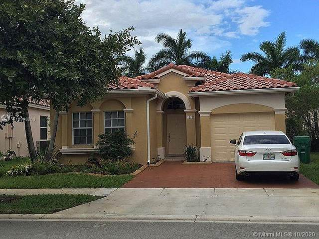 12721 SW 53rd St, Miramar, FL 33027 (MLS #A10948203) :: United Realty Group