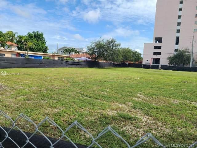 2241 NW 7th St, Miami, FL 33125 (MLS #A10948426) :: Natalia Pyrig Elite Team | Charles Rutenberg Realty