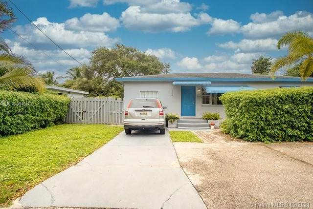 2537 Hayes St, Hollywood, FL 33020 (MLS #A10949470) :: The Rose Harris Group