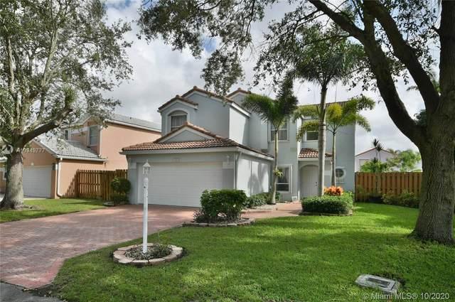 122 S Wedgewood Lks S, Green Acres, FL 33463 (MLS #A10949777) :: Prestige Realty Group