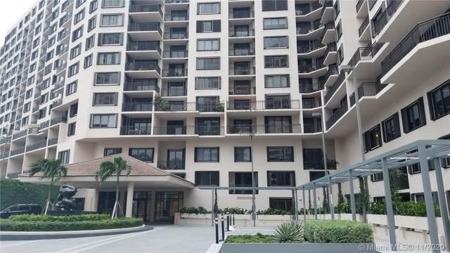 540 Brickell Key Dr #215, Miami, FL 33131 (MLS #A10950917) :: Albert Garcia Team