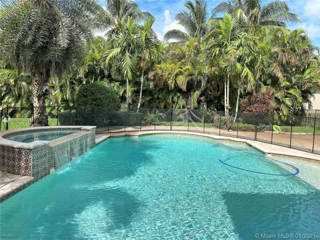 11318 Water Oak Pl, Davie, FL 33330 (MLS #A10952644) :: Albert Garcia Team