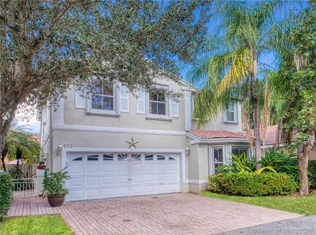 1105 Scarlet Oak St, Hollywood, FL 33019 (MLS #A10953380) :: Carole Smith Real Estate Team