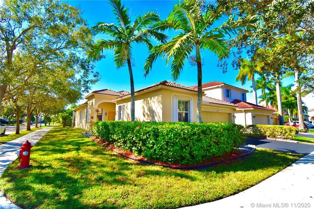 1901 Cedar Ct, Weston, FL 33327 (MLS #A10956811) :: Albert Garcia Team
