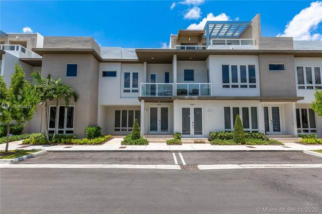 10415 NW 63rd Ter ., Doral, FL 33178 (MLS #A10958072) :: Ray De Leon with One Sotheby's International Realty