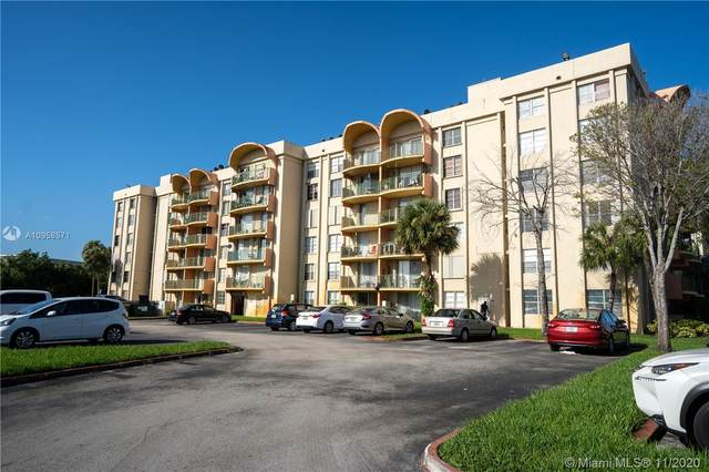 9310 Fontainebleau Blvd #302, Miami, FL 33172 (MLS #A10958571) :: Albert Garcia Team