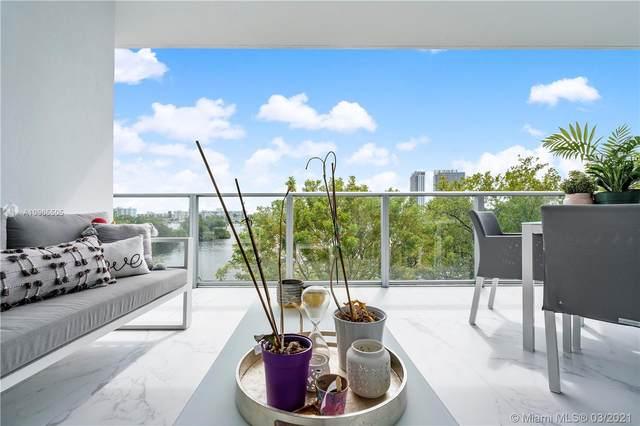 17111 Biscayne Blvd #208, North Miami Beach, FL 33160 (MLS #A10965505) :: Green Realty Properties