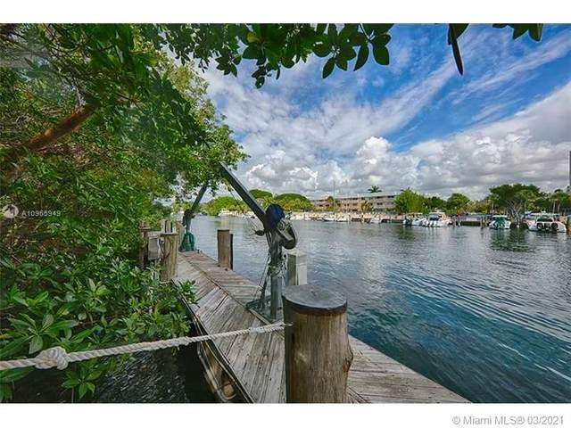 287 Las Brisas Ct, Coral Gables, FL 33143 (MLS #A10965949) :: The Paiz Group
