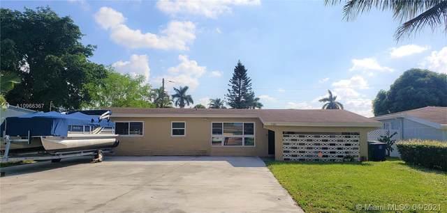 7180 Tropicana St, Miramar, FL 33023 (MLS #A10966367) :: Green Realty Properties