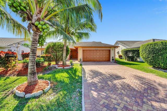 8606 NW 83rd St, Tamarac, FL 33321 (MLS #A10968846) :: Miami Villa Group