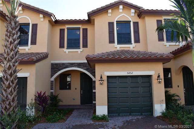 5452 NW 27th Ct, Margate, FL 33063 (MLS #A10971401) :: Berkshire Hathaway HomeServices EWM Realty