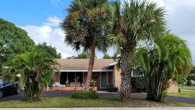 810 NW 9th Ave, Dania Beach, FL 33004 (MLS #A10975392) :: Search Broward Real Estate Team