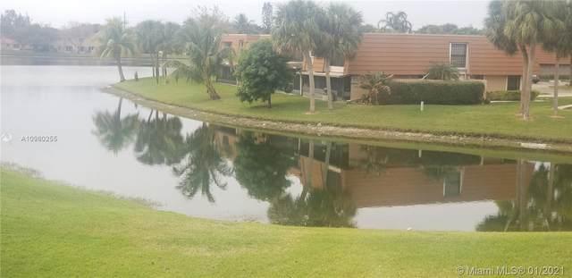 1430 SW 109th Way, Davie, FL 33324 (MLS #A10980255) :: Carole Smith Real Estate Team