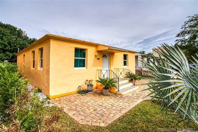 1721 Mayo St, Hollywood, FL 33020 (MLS #A10981058) :: The Teri Arbogast Team at Keller Williams Partners SW