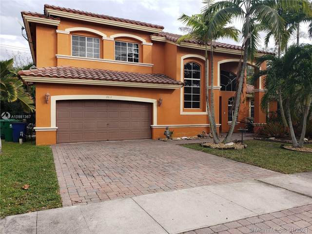 2817 Poinciana Cir, Cooper City, FL 33026 (MLS #A10981367) :: Equity Advisor Team