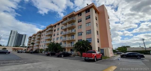 North Miami Beach, FL 33160 :: GK Realty Group LLC