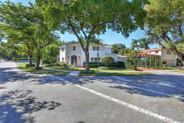 3800 Toledo St, Coral Gables, FL 33134 (MLS #A10982109) :: The Riley Smith Group