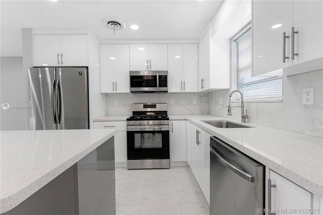 1704 N 32nd Ct, Hollywood, FL 33021 (MLS #A10984021) :: THE BANNON GROUP at RE/MAX CONSULTANTS REALTY I