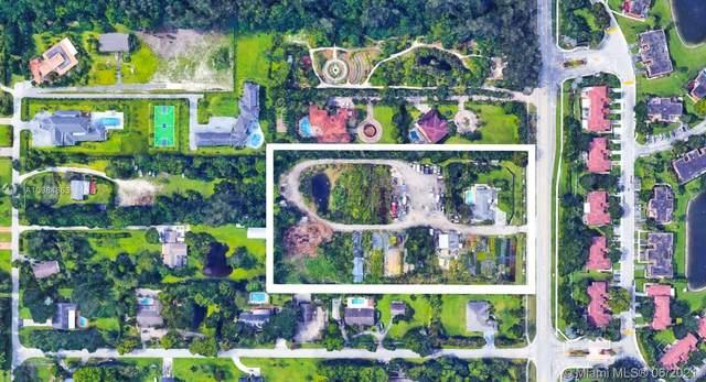 1555 SW 112th Ave, Davie, FL 33325 (MLS #A10984863) :: The Paiz Group