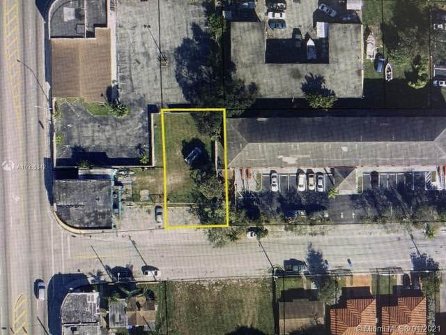 1595 NW 60th St, Miami, FL 33142 (MLS #A10985342) :: The Riley Smith Group