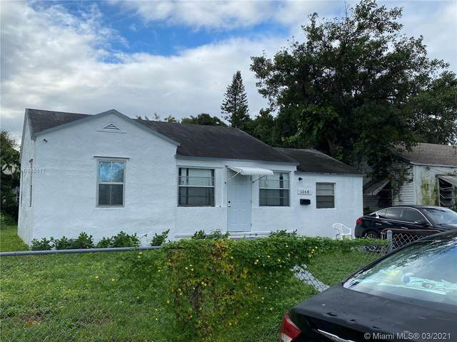 1068 NW 66th St, Miami, FL 33150 (MLS #A10986111) :: The Rose Harris Group