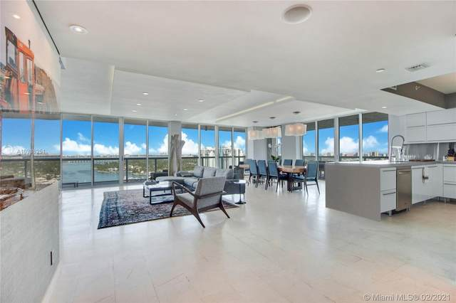 10 Venetian Way #2204, Miami Beach, FL 33139 (MLS #A10986251) :: KBiscayne Realty
