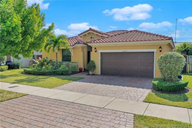 15320 SW 176th Ln, Miami, FL 33187 (MLS #A10987422) :: Miami Villa Group
