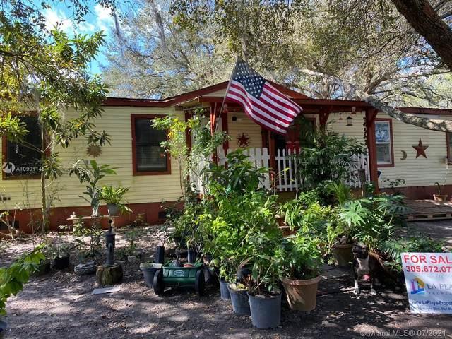 170 N Brida Street, Clewiston, FL 33440 (MLS #A10991143) :: Prestige Realty Group