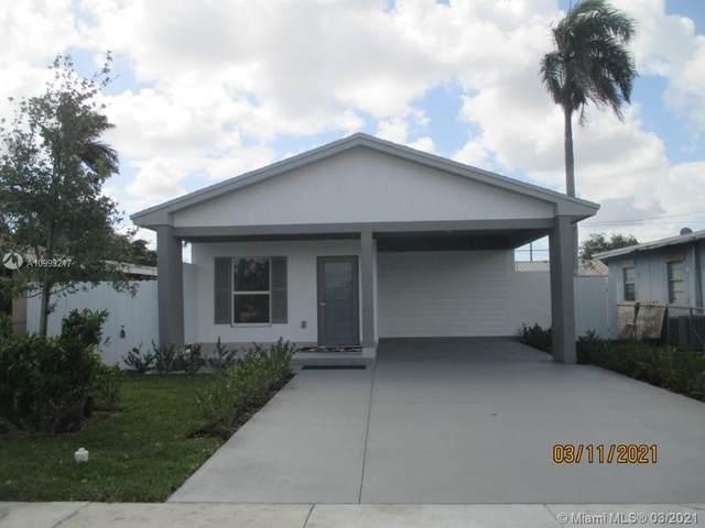 836 SW 6th St, Homestead, FL 33030 (MLS #A10993217) :: The Paiz Group