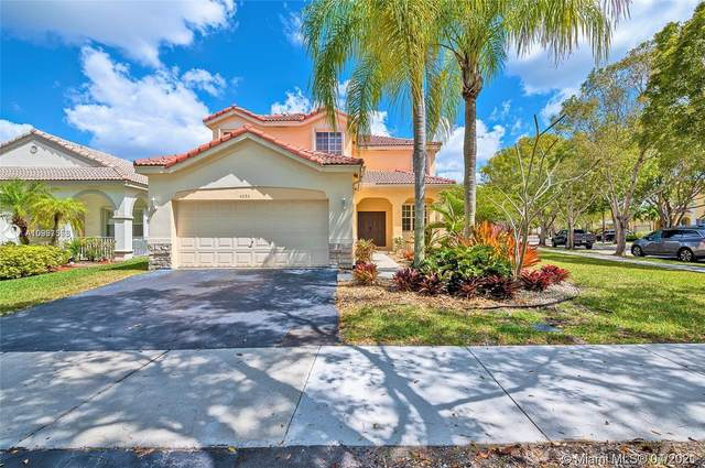 4034 Palm Pl, Weston, FL 33331 (MLS #A10993353) :: The Riley Smith Group