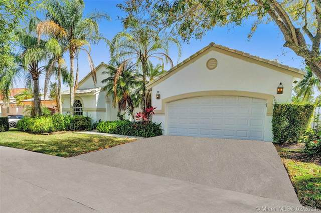 716 Lake Blvd, Weston, FL 33326 (MLS #A10993904) :: The Teri Arbogast Team at Keller Williams Partners SW